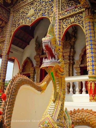 Mucalinda di guardia al tempio, Chiang Mai