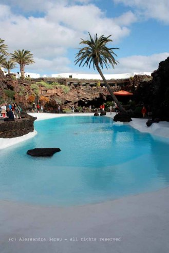 The_Escape_Diaries_canarie71