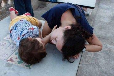 Io e Orlando giochiamo sulla terrazza de La Guarida, L'Avana, Cuba